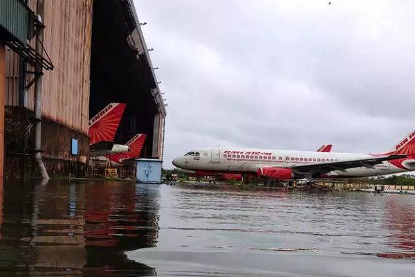 तूफ़ान अम्फान एअरपोर्ट तबाही